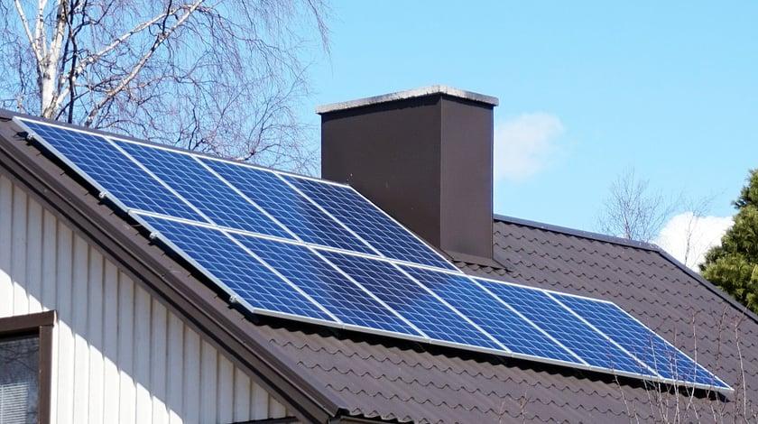 1200px-Jyväskylä_-_solar_panels