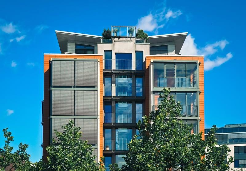 apartment-balcony-building-271689